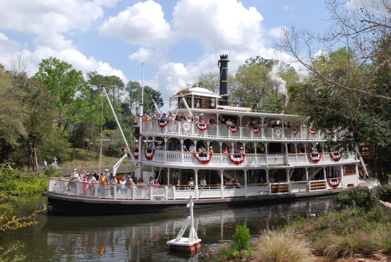 liberty belle (disney) 2.jpg