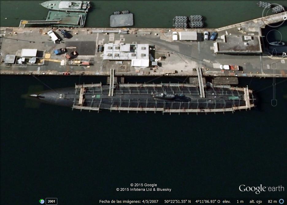 submarino nuclear britanico en reparacion.jpg