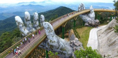 golden bridge, vietnam0.jpg