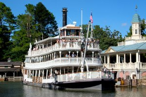 mark twain riverboat (disney) 2.jpg